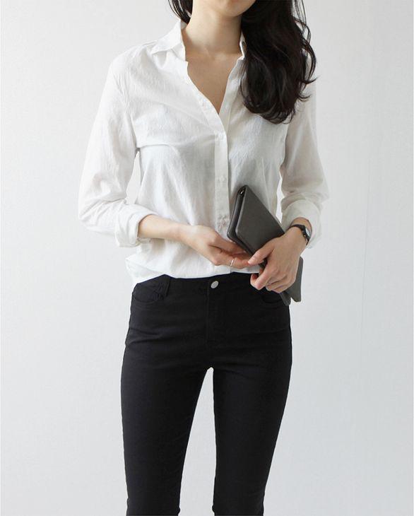 Casual Chic - white shirt, black jeans & slim clutch