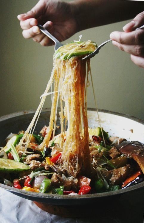 Making Dakjjim (닭찜) / Braised Chicken with Noodles & Vegetables