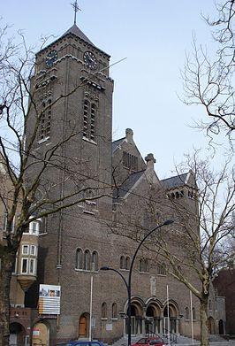 Bisdom Rotterdam: Laurentius- en Elisabethkathedraal (1905 bouw gestaakt, gereed 1922). Kathedra (= zetel) vd bisschop is hier gevestigd. De kathedraal heette eerst Elisabeth kerk, maar nadat de kathedraal op de westzeedijk werd afgebroken, koos de bisschop dit rond 1967 tot zijn nieuwe kerk. De kathedraal is vernoemd naar Elisabeth van Wardburg en de heilige Laurentius. De stijl lijkt op het kasteel Wardburg. Tijdens WWII is het gebouw getroffen door 2 bommen (1941), één bom ligt nog…