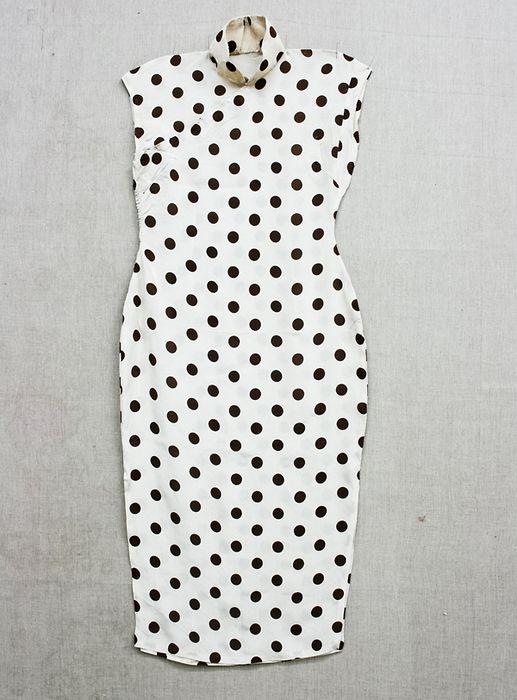 20世纪40年代黑色圆点旗袍