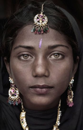 Beautiful pictures of 'indigenous peoples unchanged for centuries' go on display