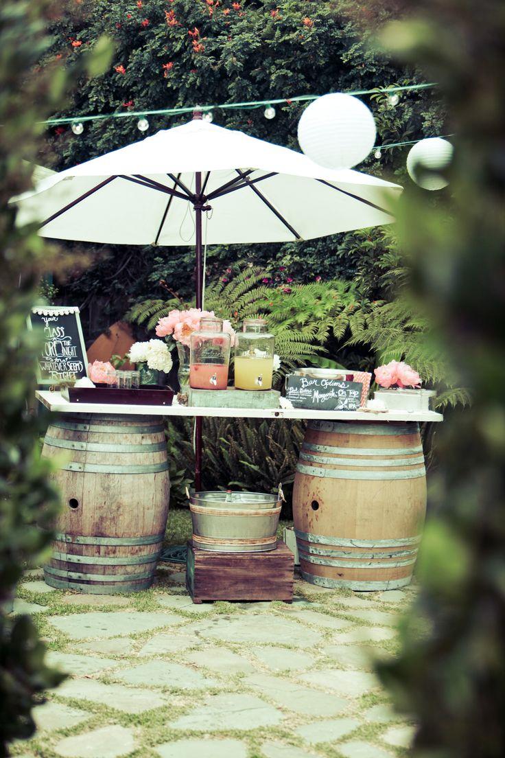 Wedding BAR: Wine barrels, Jar dispensers, Margaritas...