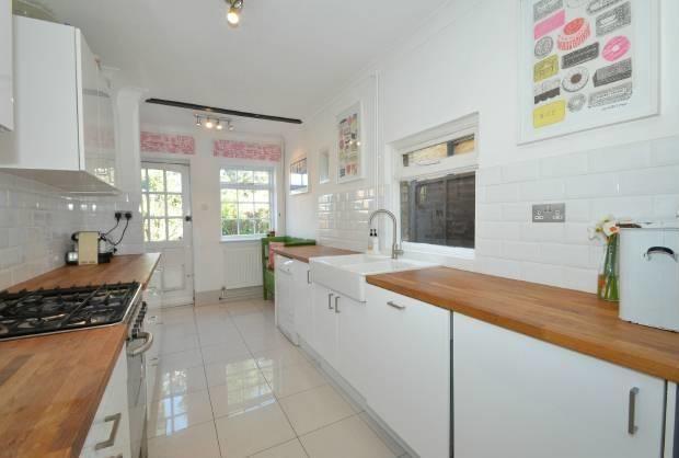 3 bedroom cottage Dedworth Road, Windsor
