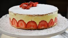 Amandelbiscuit met vanillecrème en aardbeien   VTM Koken