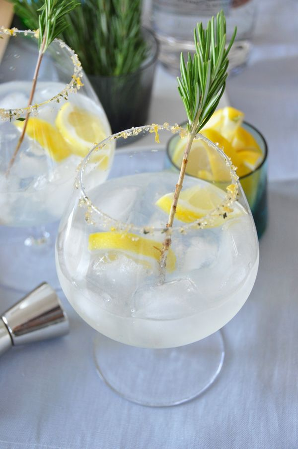 gin daddy: gin, limoncello, lemon juice, honey + seltzer.  (As I have all of these ingredients, this is something I must try)