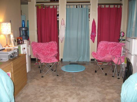LOTS OF IDEAS! dorm decorating ideas, girls dorm, pink chairs