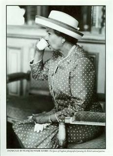 Queen Elizabeth drinking tea