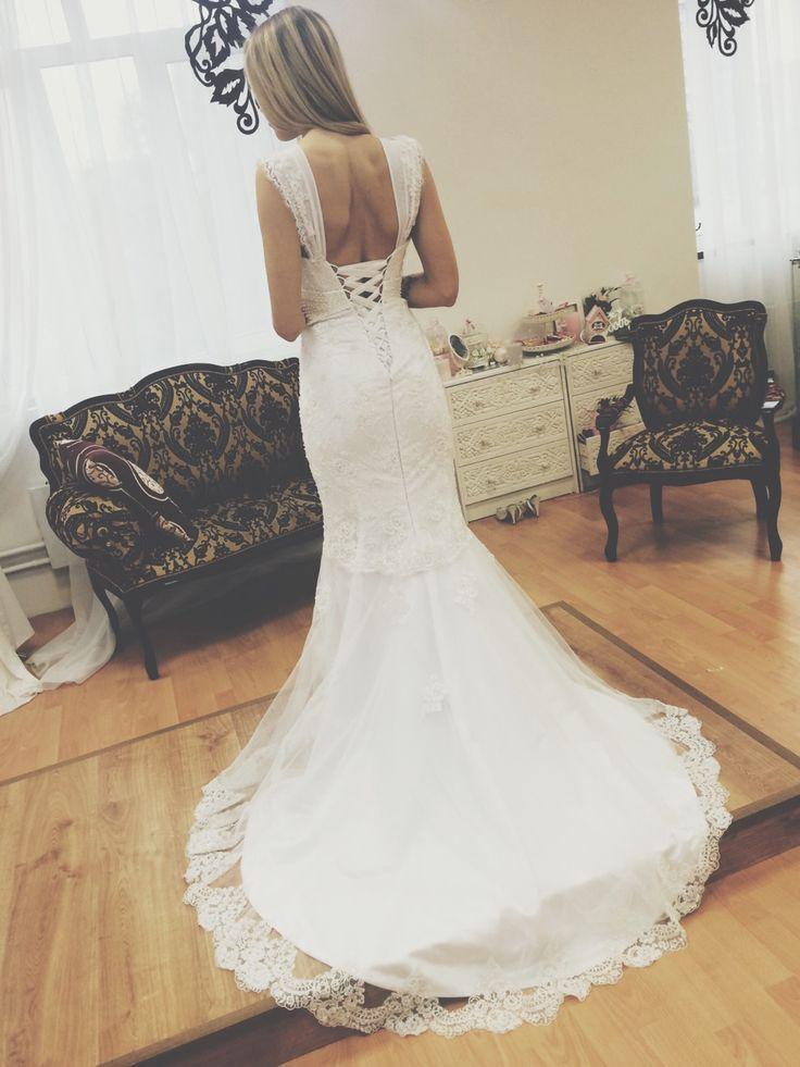 http://sb-charme.ru Свадебный Бутик Charme — Это элегантное  платье, зауженное в бедрах и... #свадьба #любовь #невеста #платье #свадебноеплатье #wedding #weddingdress #tulipia #tulipiadress #sbcharme
