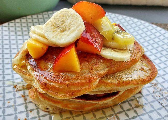 Deze gezonde en lekkere boekweitpannenkoekjes zijn perfect voor een uitgebreid zondagsontbijt. Lekker met jouw favoriete fruit! - Tante Pollewop