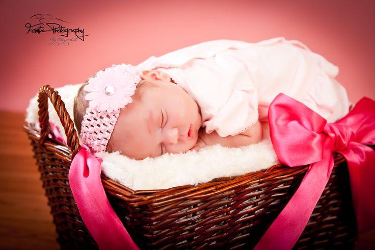 #fenitaphtoographystudio #newbornbaby #newbornbabyphotography #liverpoolnewbornbabyphotography #familyphotographerliverpool