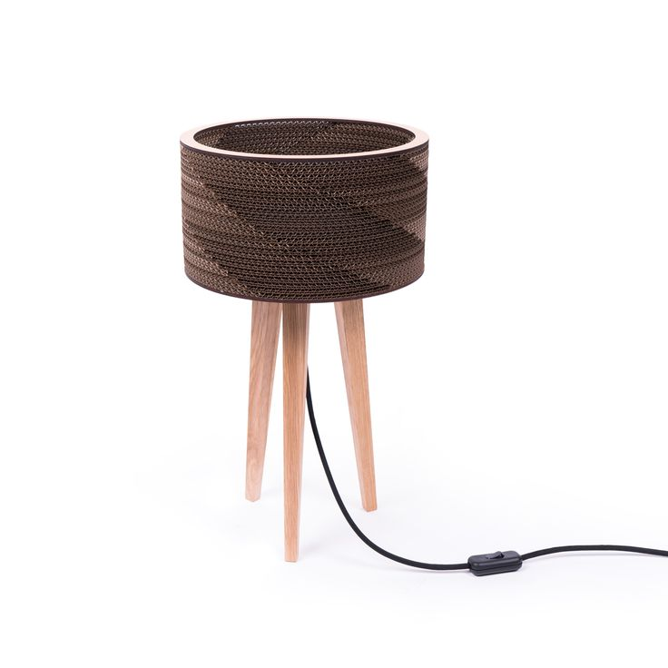 Cardlamp the mini version is a perfect blend tripod 40 cm with 27 cm shade. Lamp high just right on your bedside table, desk or a coffee bar.