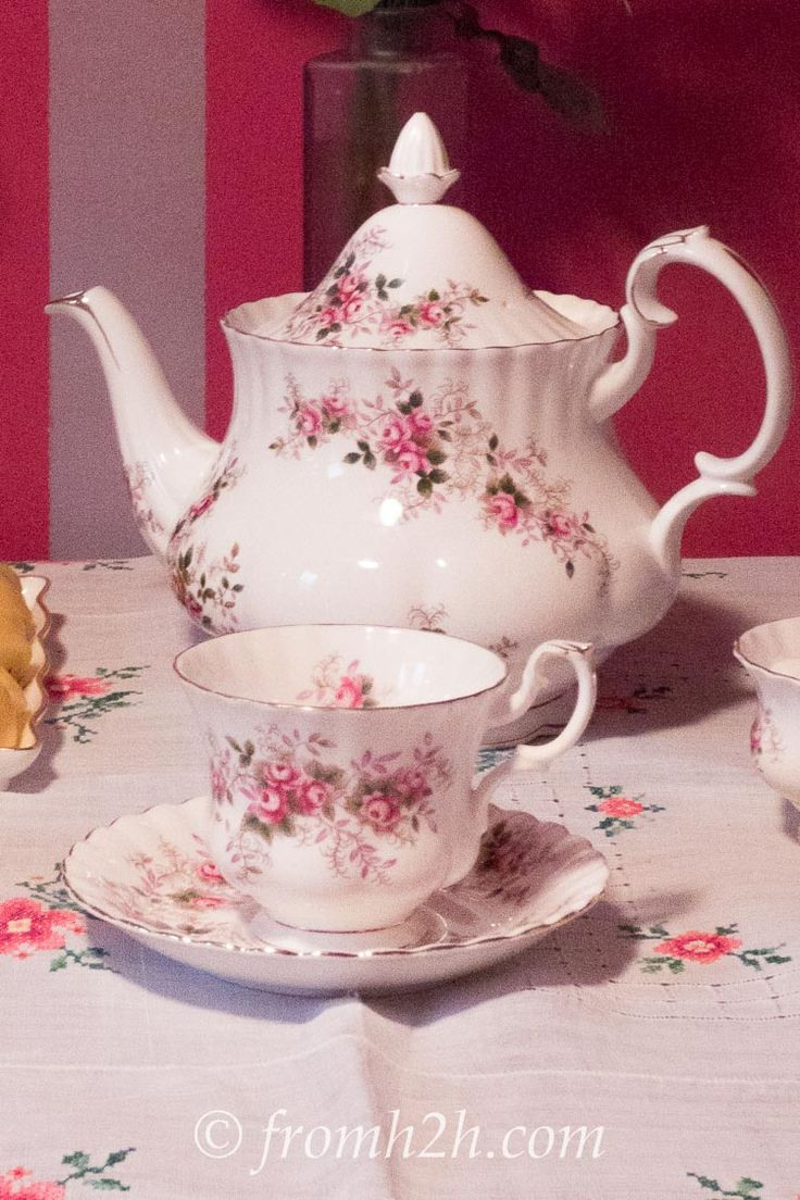 Using the tea pot and cups from the same tea set is very traditional | How To Host a Traditional Tea Party