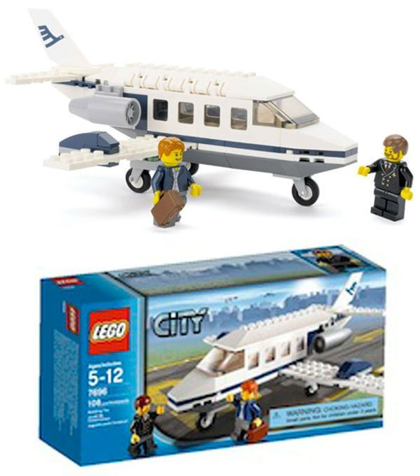 LEGO CITY AIRPORT COMMUTER JET - 7696 - RARE PROMOTIONAL SET - PLANE, 2 FIGURES