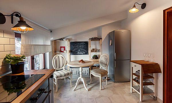 "Un apartament superb decorat, cu personalitate si o combinatie unica de elemente decorative. Din seria ""Acasa la.."" via visuell.ro"