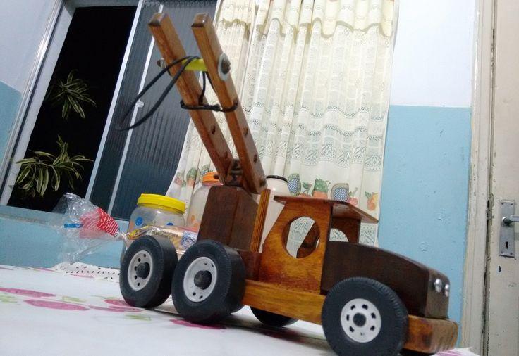 caminhão guindaste 26 cm meta1954@gmail.com