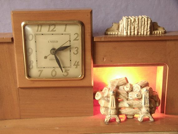 Antique 1940's United fireplace mantle clock, electric