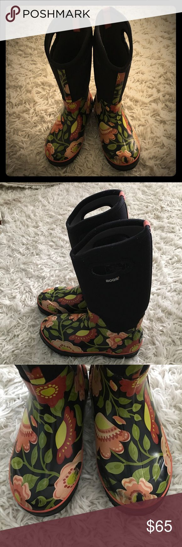 Bogs Rain Boots ☔️ These boots are in great condition!  They are perfect for spring.  These Bogs are very easy to get on and off and are extremely comfortable.  They do have some slight rubbed off coloring (see photos). Bogs Shoes Winter & Rain Boots