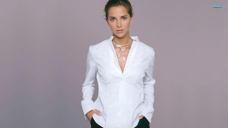 Самая красивая телеведущая Франции - Мелисса Тёрьо