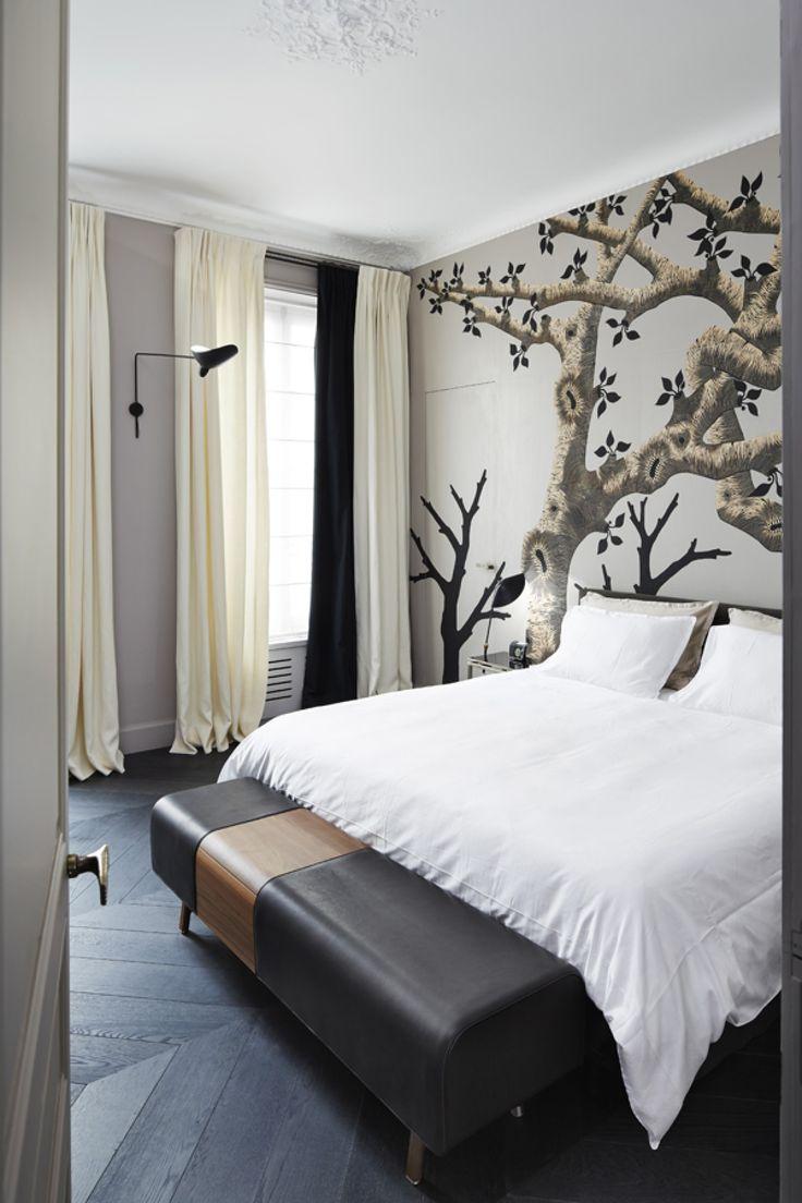 sarah lavoine / appartement solférino á paris 7ème (mural: zoé ouvrier artiste)
