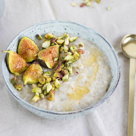 Recept: Kokos-porridge met geroosterde vijgen | Peek Inside