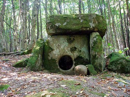 25,000 Year Old Buildings Found In Russia? The Mysterious Dolmens And Megaliths Of The Caucasus