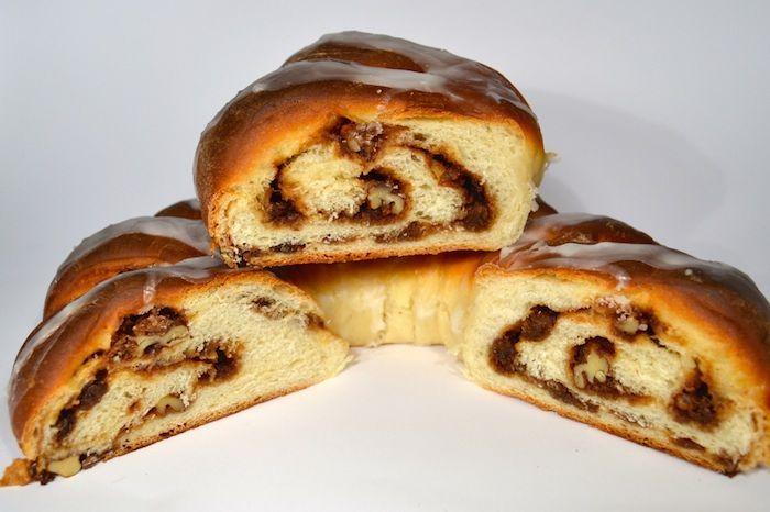 El roscón de reyes en su variante más extravagante. Esta receta de King Cake verás unas conexiones culturales sorprendentes entre Europa y Nueva Orleans.