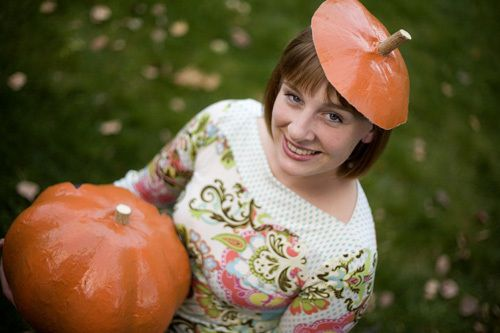 A fun family activity for the fall holidays, a papier mache pumpkin is excellent for Halloween or Thanksgiving decoration. The finished pumpkin can be used as a reusable jack o' lantern, candy bowl, pumpkin-top hat, door decoration, scarecrow head, etc.
