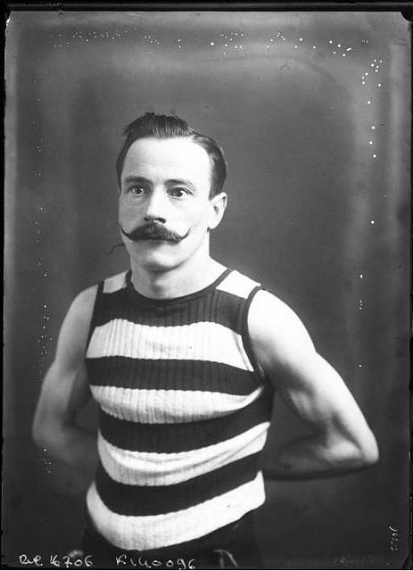 circus performer circa 1918