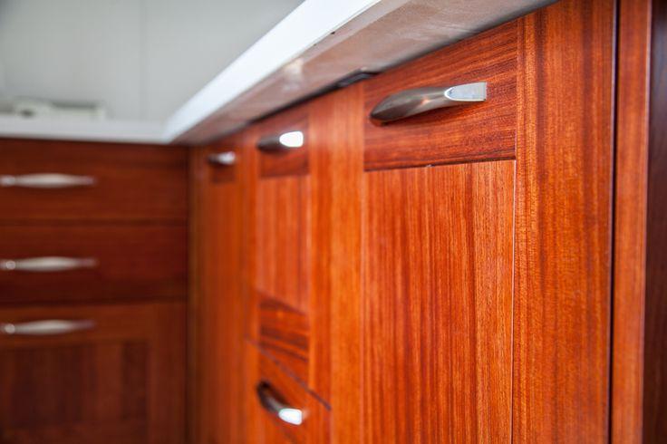 ... Rovere su Pinterest  Mobili cucina legno, Cucina calda e Armadi in