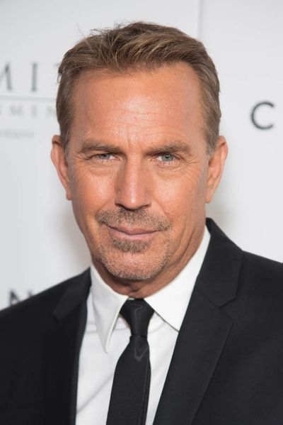 Kevin Costner attends the 'Criminal'