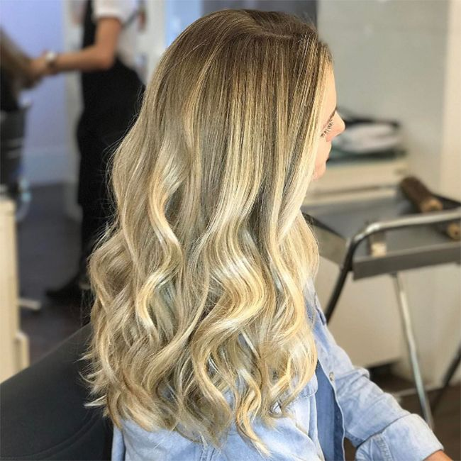 Antes de clarear, é preciso fazer uma análise do tom que é possível alcançar. Confira a dica do Pro sobre clareamento em cabelos de diferentes tonalidades.