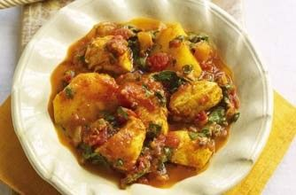 This guilt-free chicken curry from Slimming World is lower in calories than an Indian takeaway and is ready in 40 mins