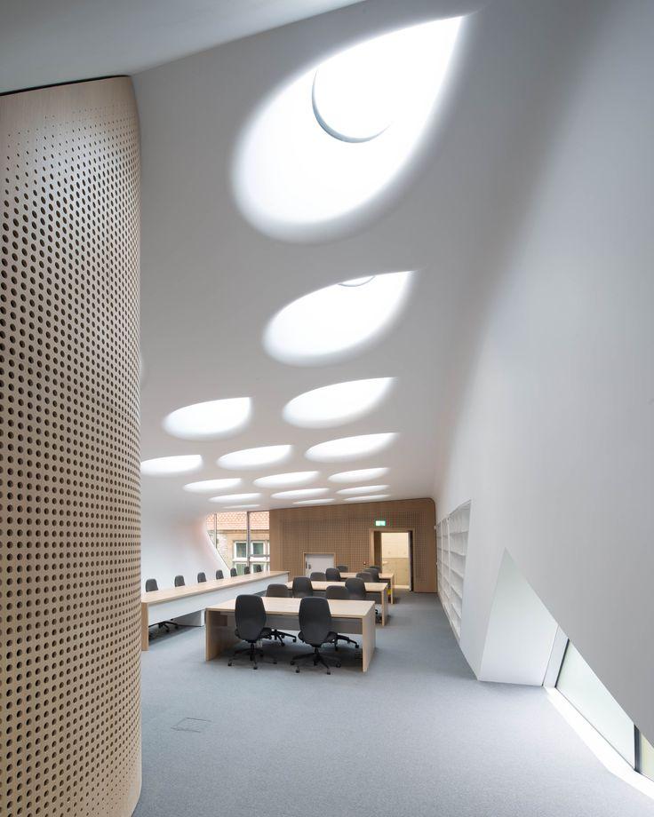 The Investcorp Building,© Luke Hayes
