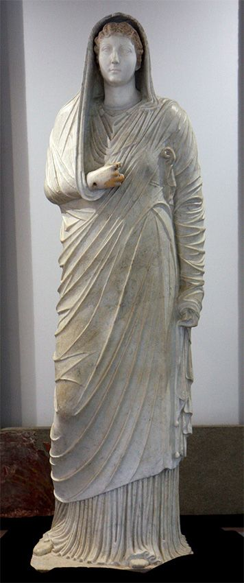 Livia, wife of Augustus, mother of Emperor Tiberius, Roman statue (marble), 1st century BC - 1st century AD, from Villa of the Mysteries, Pompeii, (Antiquarium, Boscoreale).
