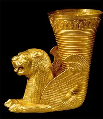 Rhyton shaped as winged lion. Ecbatana, Central Iran. Around 500-450 BCE. The National Museum of Iran www.guiarte.com/noticias/milenios-de-arte-persa.html