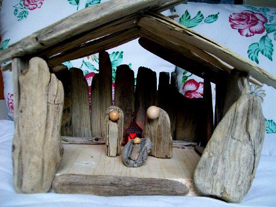 Krippe aus Schwemmholz / Treibholz von Christine Kreitz auf DaWanda.com