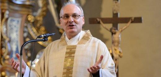 Der Dogmatikprofessor Rudolf Voderholzer ist neuer katholischer Bischof von Regensburg. Der 53-Jährige tritt die Nachfolge von Gerhard Ludwig Müller an, der zum Präfekten der Glaubenskongregation in Rom aufgestiegen war.