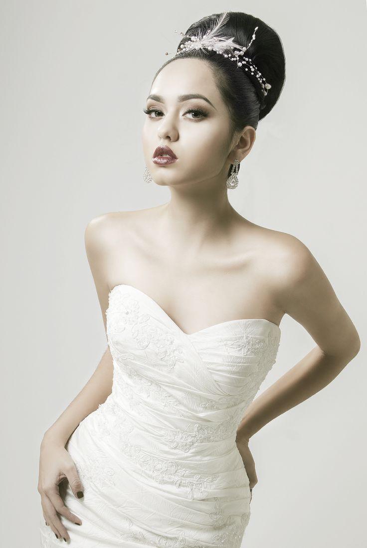 11 best Novias Leonel Alta Peluquería images on Pinterest | Brides ...