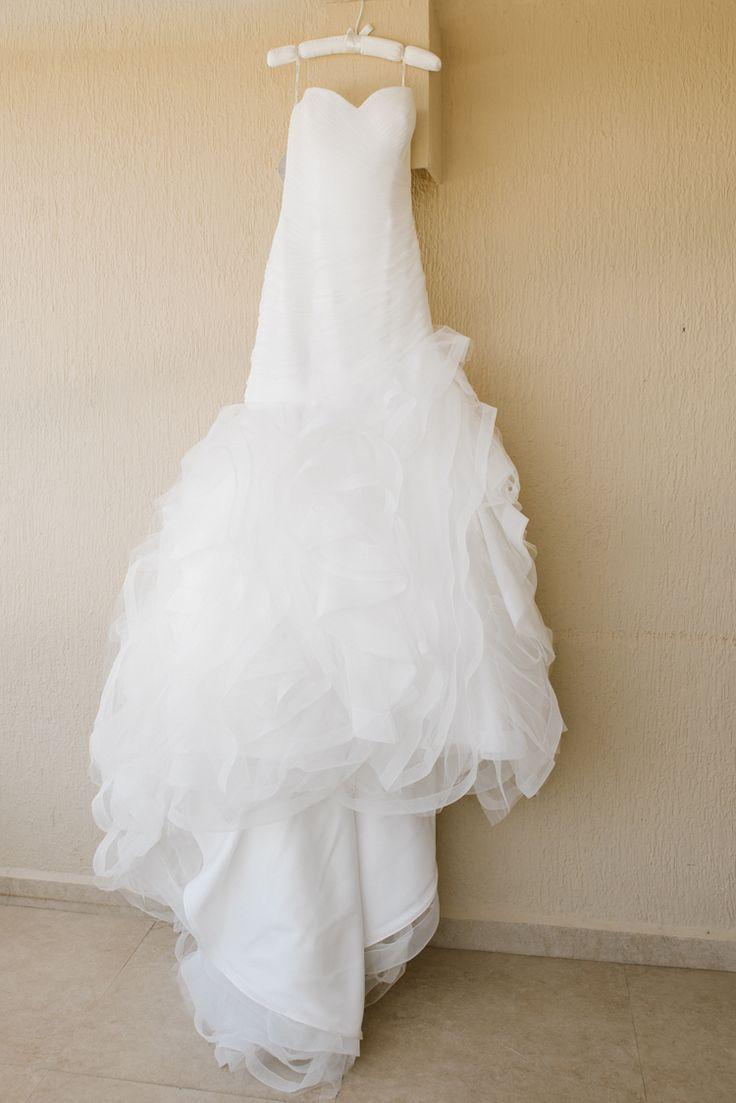 Elegant fit and flair sweetheart neckline Pronovias wedding dress (Shenko Photography)