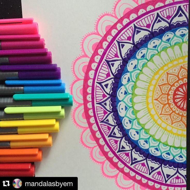 ❤️ Art by: @mandalasbyem Mandala, Steadtler Triplus Fineliners