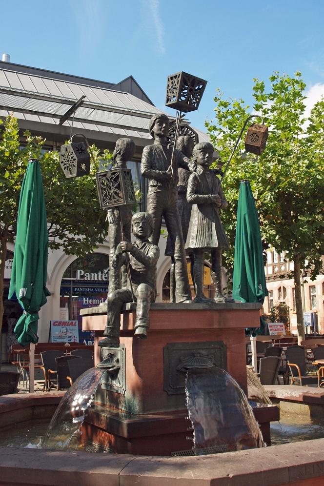 Laternenfestbrunnen in Bad Homburg, Germany
