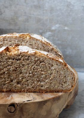 Eltefritt brød med rug og solsikkefrø