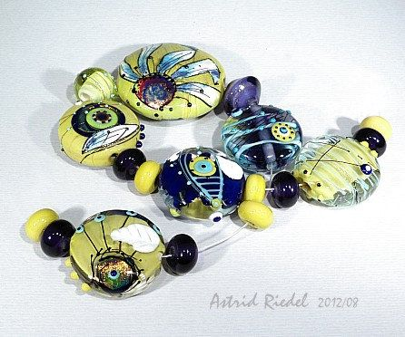 Pistachio Echina set Lampwork 23 beads Astrid by AstridRiedel
