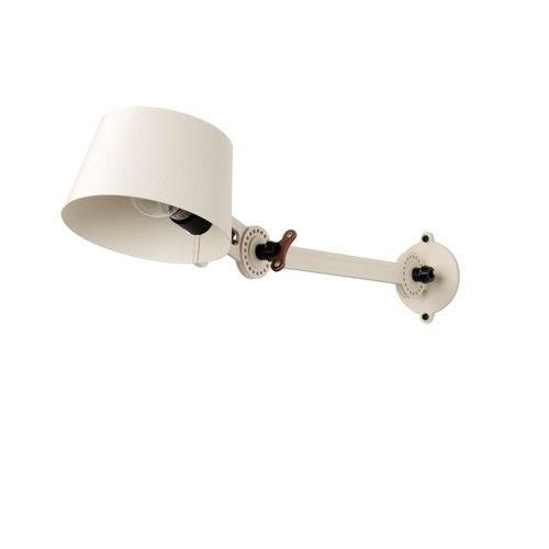 De Bolt bed lamp werkt met een E27 halogeenlamp, 42 watt (meegeleverd).  Afmeting, lengte arm: 19 cm.
