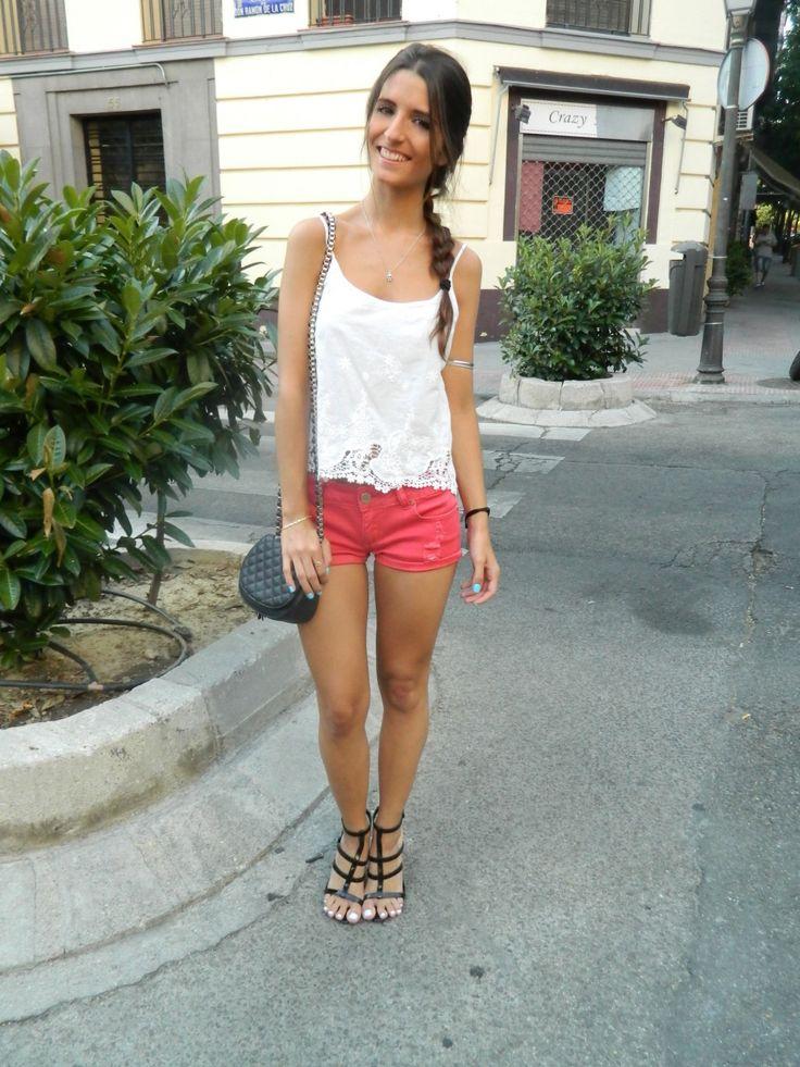 Red Shorts #red #shorts #lace #shirt #oysho #black #sandals #shoes #mango #clutch #bag #zara #madrid #braid #hair #summer #street #streetstyle