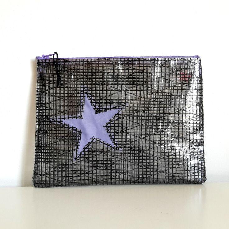 pochette noire avec étoile mauve en voile recyclée : Sacs à main par l-etoile-de-mer