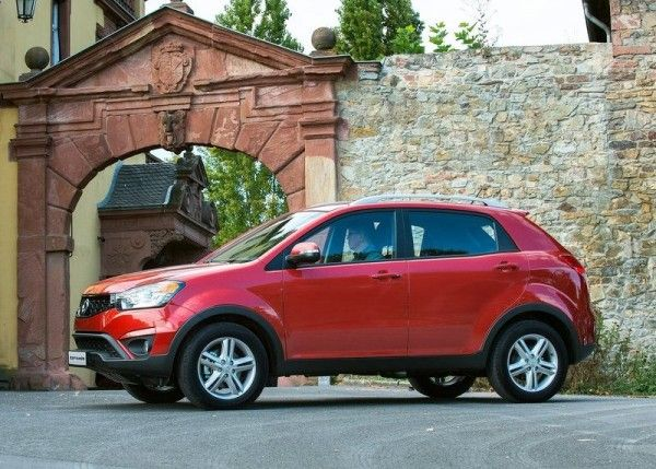 2014 SsangYong Korando Reds Pictures 600x429 2014 SsangYong Korando Review and Design