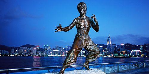 Avenue of Stars, terletak di Tsim Sha Tsui Promenade, Hong Kong. Tempat ini dibuka pada April 2004. Disini traveler bisa mengenal industri perfilman Hong Kong, melihat cetakan tangan selebriti, patung Bruce Lee dan lainnya, tentunya dengan pemandangan yang indah di sekitar Victoria Bay . Penasaran? Ayo segera booking #tiketpromo ke Hong Kong sekarang juga http://www.nusatrip.com/id/promo/tiket-murah-hong-kong-november-desember-2013  #nusatrip #onlinetravel #bestflightdeals #flightdeals…