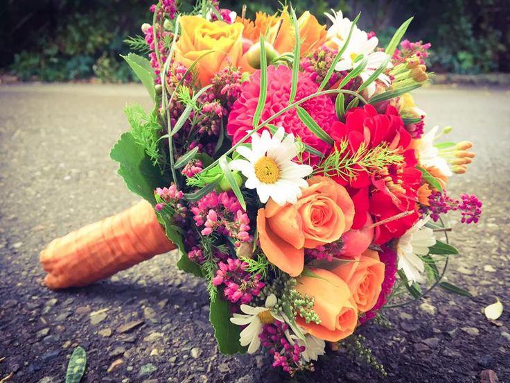 Sommer, Sonne, Sonnenschein. Ein Kleiner bunter Brautstrauß im September