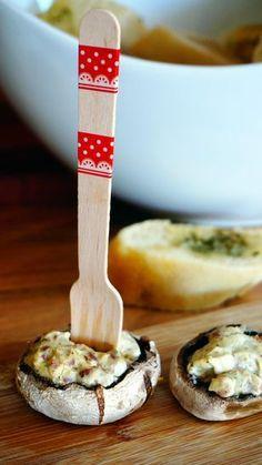 Champignons mit Frischkäse-Füllung Rezept: Champignons,Frischkäse,Katenschinken,Pfeffer,Dill